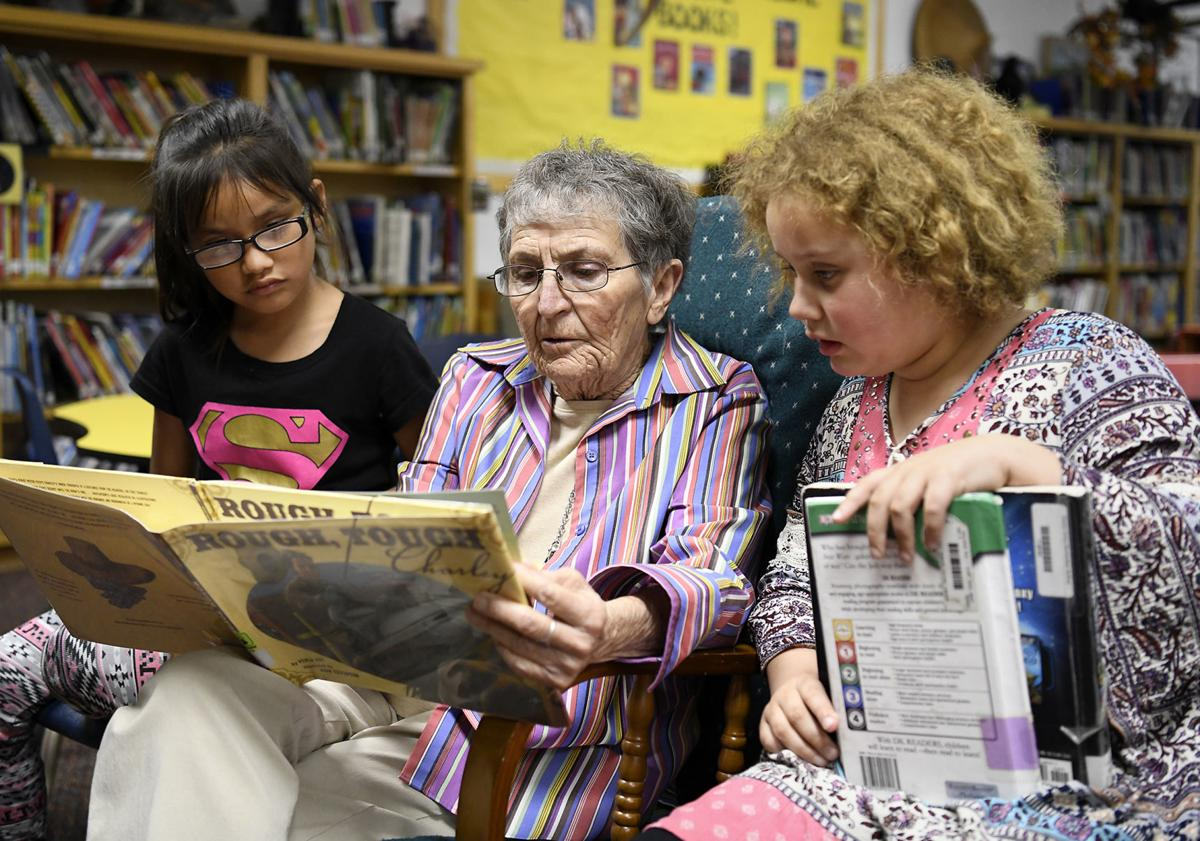 Foster Grandparents Program - Reading